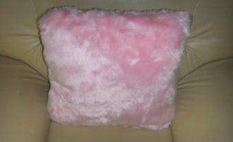 Fake-fur-pillows  1
