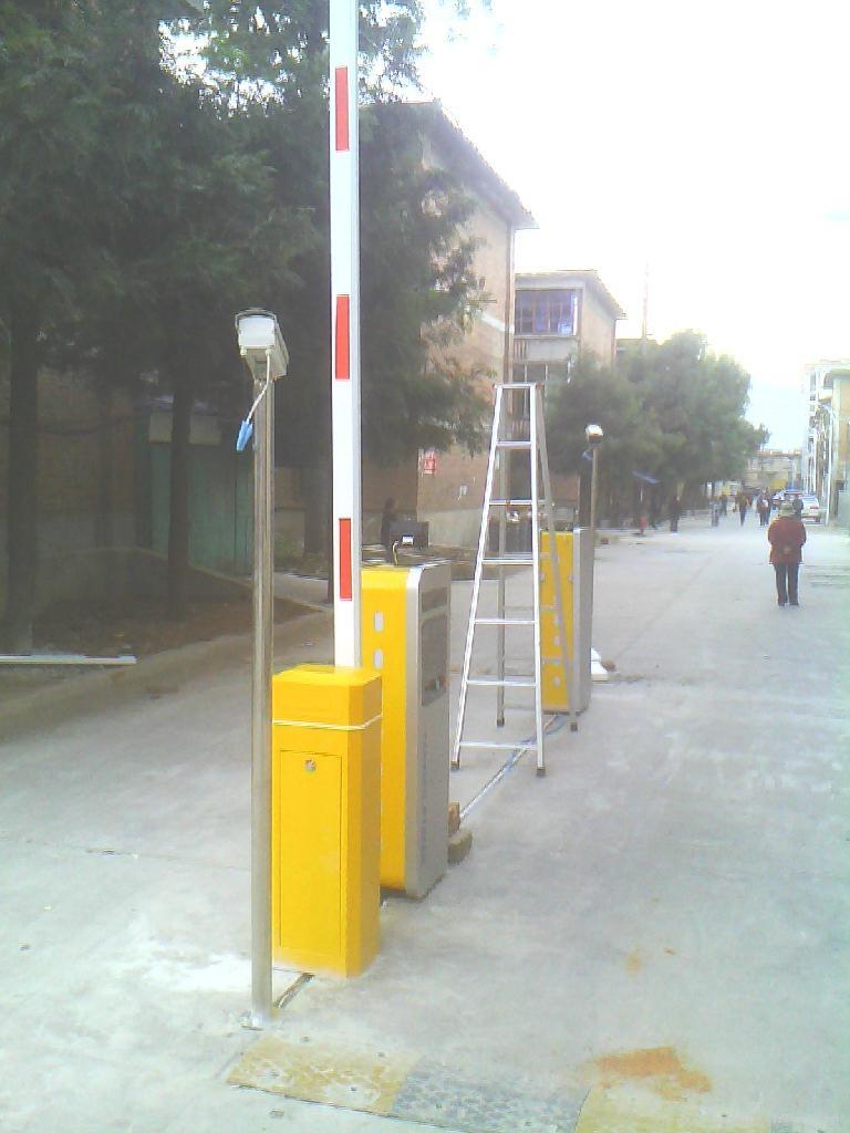 車牌識別停車場系統 1