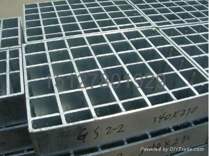 鑫宏钢格板专业生产钢格栅板 1