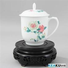 ceramic mug with lip