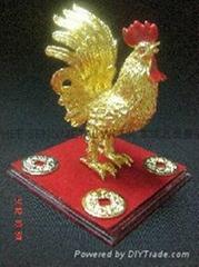7.5CM 镀金鸿运鸡配金钱水晶盒