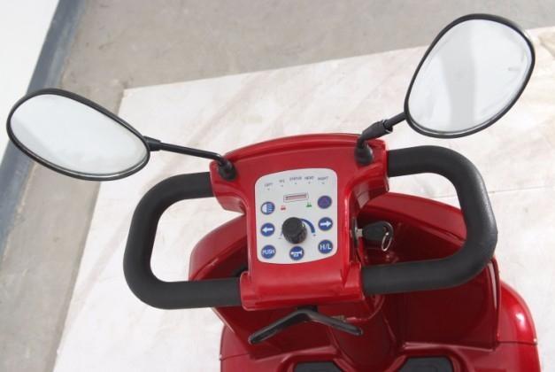 信步微型四輪電動汽車 4