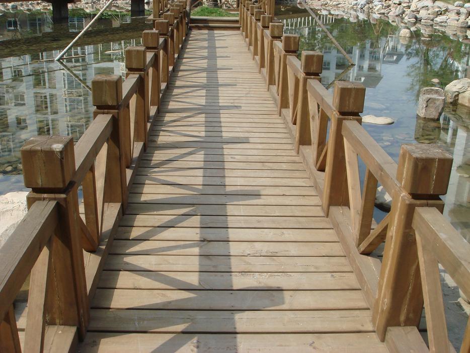 防腐木木桥 1