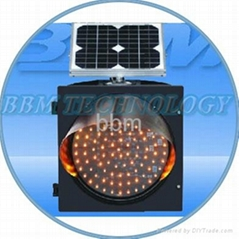 Solar energy traffic warning light