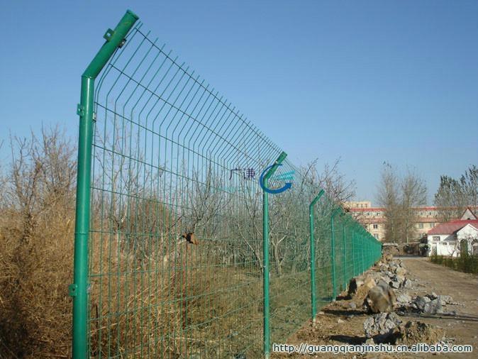 河北安平护栏网厂家|圈山圈地双边现货铁丝网护栏网 1