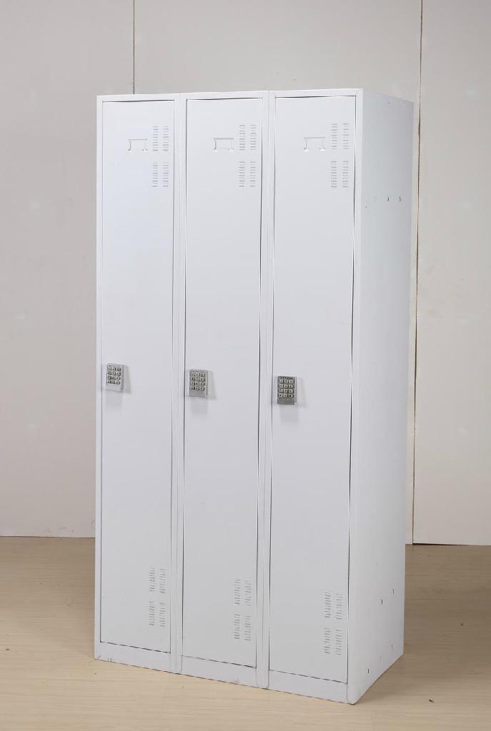 steel locker 4