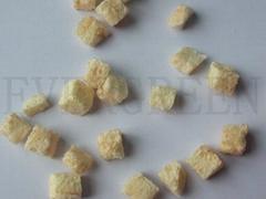 Freeze dried pear dice