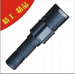 LED強光手電筒