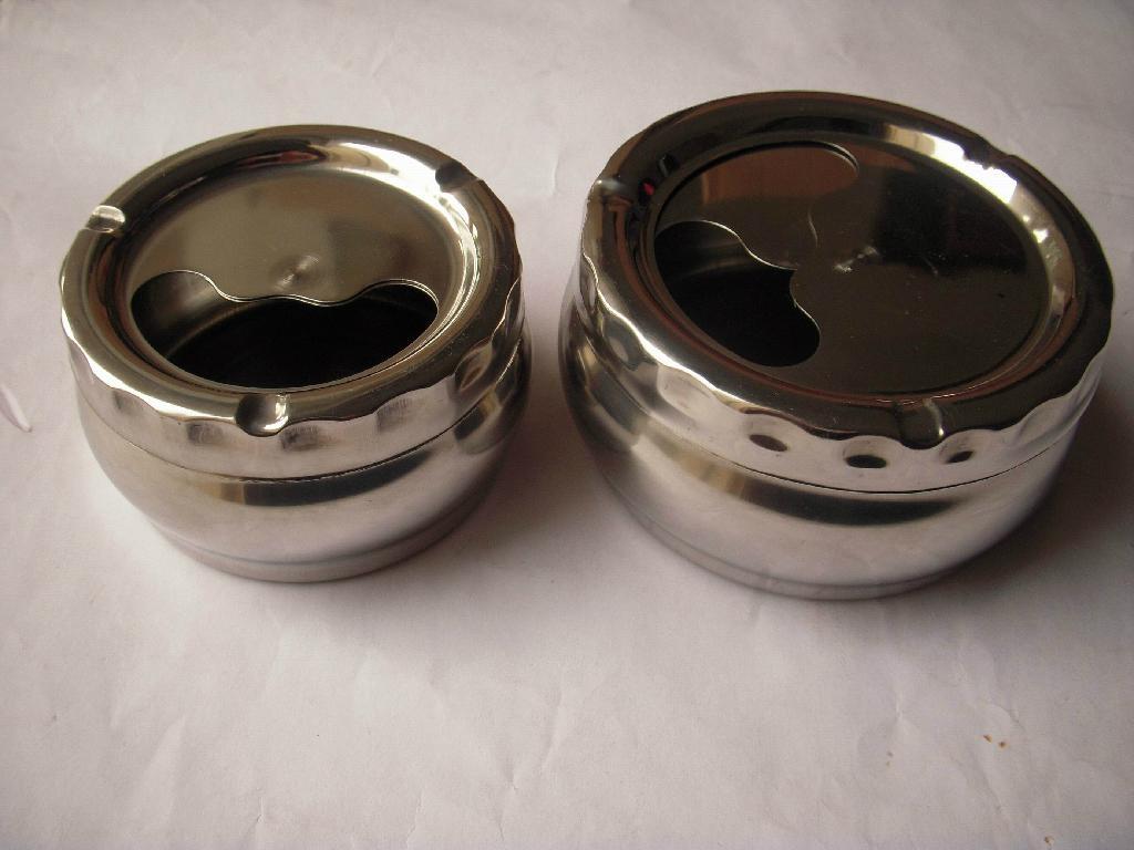 不锈钢烟灰缸 5