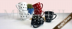 small drum mugs with dots design