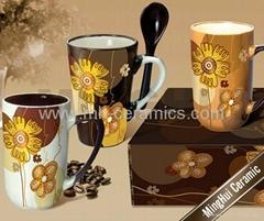 coffee mugs with spoons