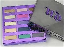 Ur-ban De-cay 15th Anniversary Eyeshadow Palette 1