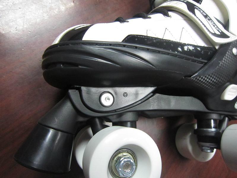semi soft double row  roller skates 2