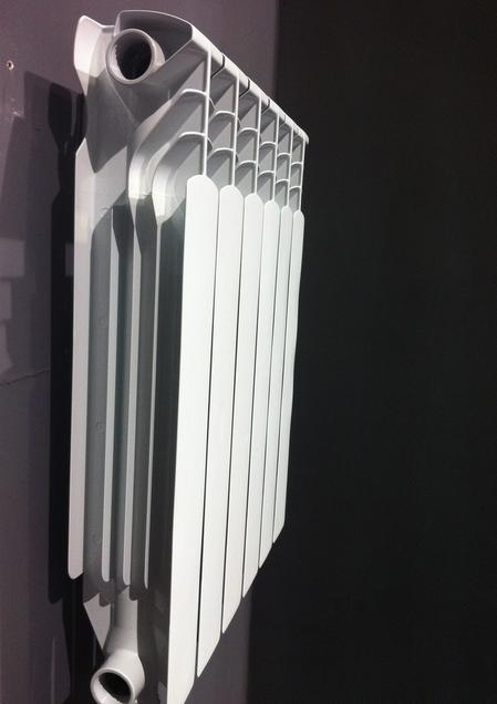 新款500型高壓鑄鋁暖氣片 3