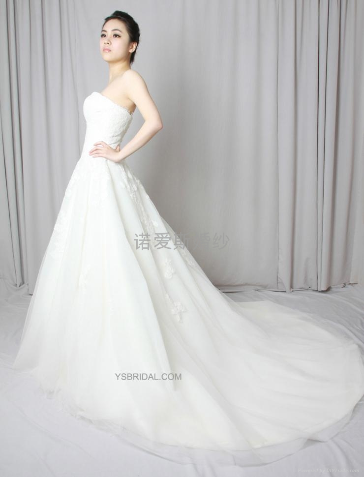 pronovias2013新款抹胸網紗法國蕾絲婚紗禮服 2