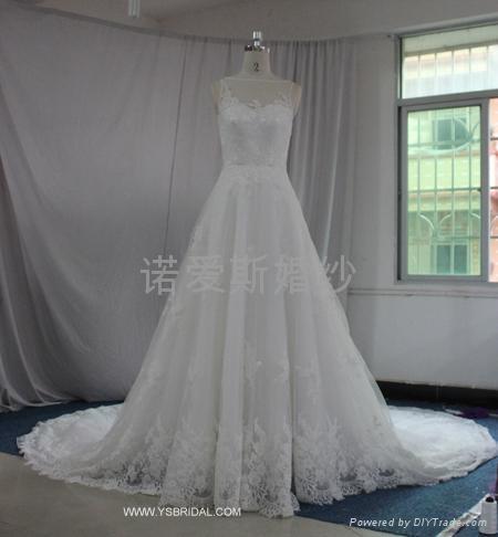 深V黑色腰帶網紗花朵小拖尾婚紗 3