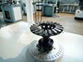 Grinding wheel dynamic balancing machine