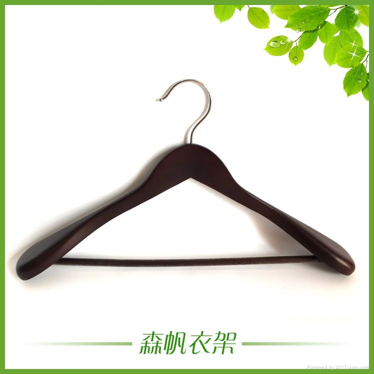 luxury wooden hanger made in china  1
