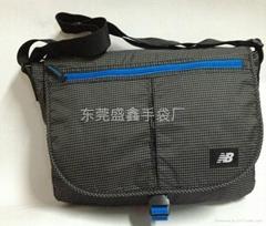 2013新款时尚休闲挎包