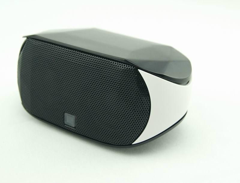 Portable mini bluetooth speaker with hands-free touch-panel control function 4