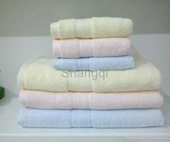Staple Cotton Light Color Cleaning Towel