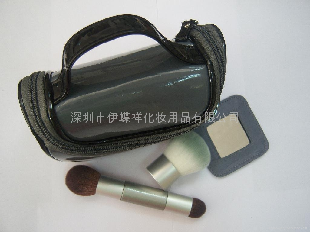 圆筒装化妆刷 1