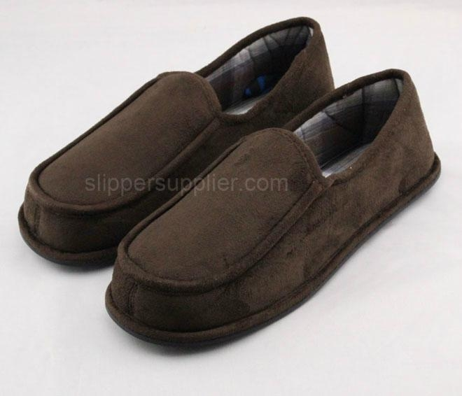 Men microsuede check closed back slippers 1