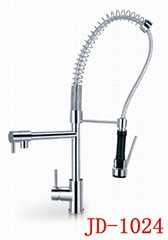 fashion design chrome plated finished kitchen faucet