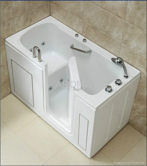 Safety Hydraulic Massage Bathtub with Thermostatic Faucet 1