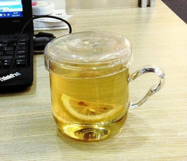 GLASS TEACUP 1