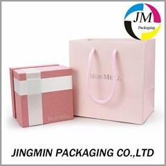 Luxury paper jewelry boxes with velvet