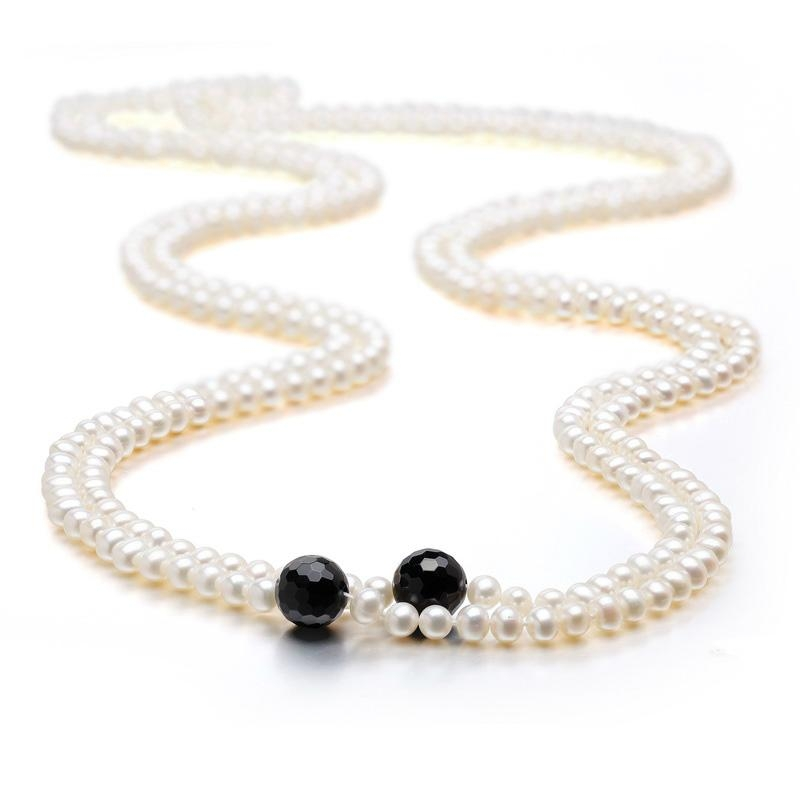 Freshwater pearl necklace 1