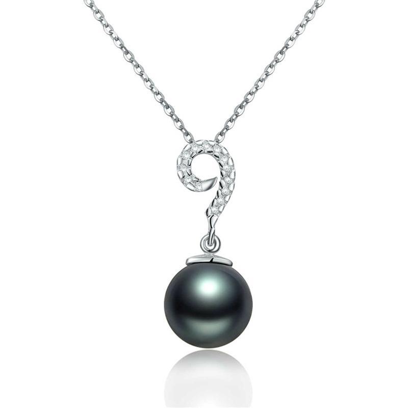 18 k white Tahiti black pearls 1