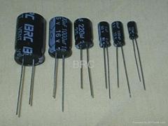 電解電容器