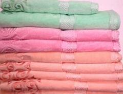 割绒绣花毛巾