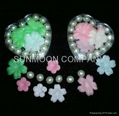 香皂花瓣+浴珠入心形塑料盒