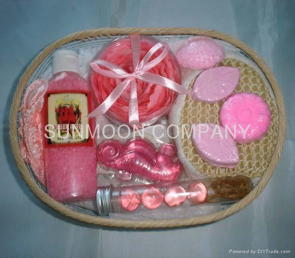 Bath gift set: Soap flower+ bath bubble +soap+bath caviar  3