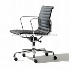 Eames Aluminum Office group chair