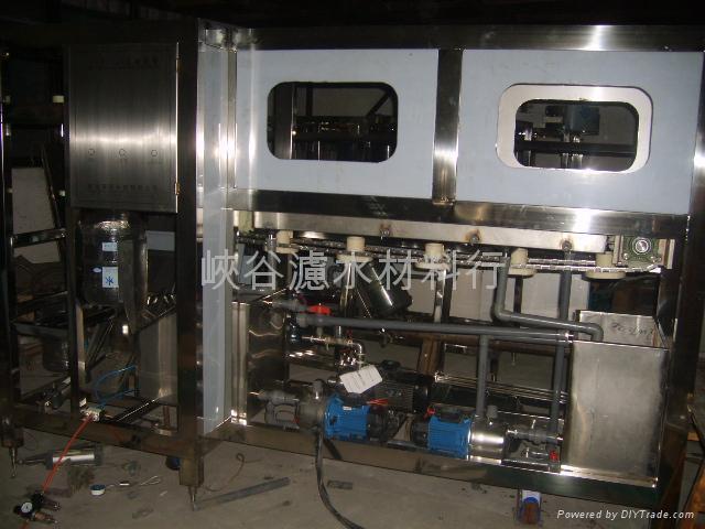 桶裝水-灌裝機 2