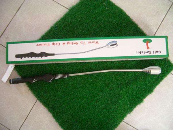 挥杆练习器高尔夫挥杆练习器用於初学者练习和纠正挥杆动作.