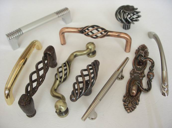 产品适用于家具及橱柜的金属拉手,主销欧美,东南亚等多个国家和地区.