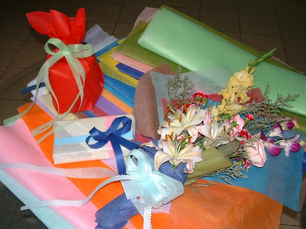 鮮花包裝布/紙(彩色浸漬無紡布) 1