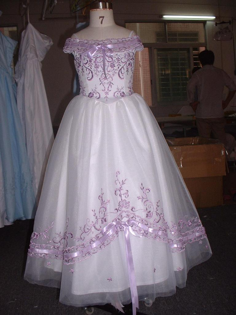 Flower girl dress wedding dresses evening dress wholesale for Flower girls wedding dress