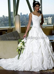 wedding dress/prom dress/veils