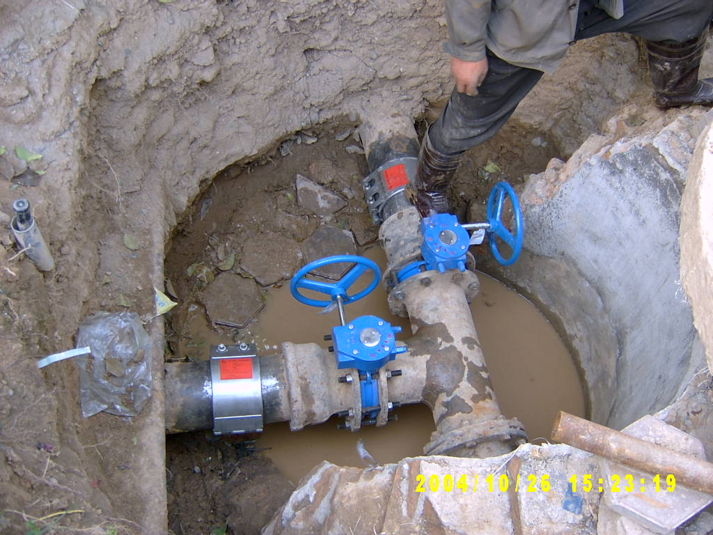 自来水管道的修复 1