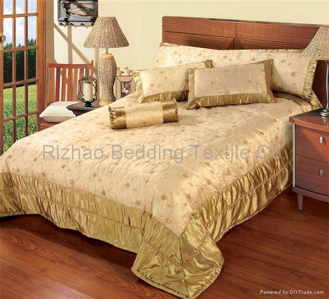 sell quilt, bedspread ,bed cover 1