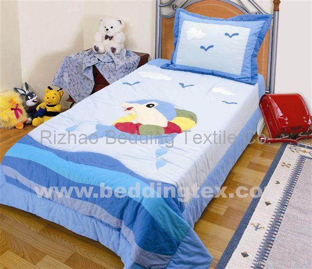 children bedspread, quilt 1