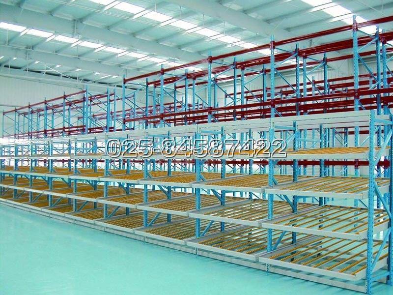 钢结构厂房喷淋管图片
