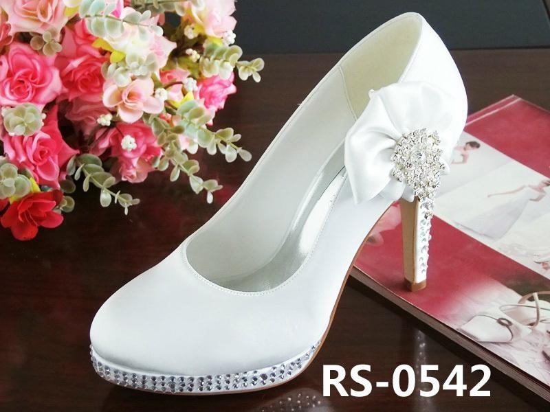 9b56 UK Cheap Sale   Women Shop Cheap New Pink Christian Louobutin Wedding Shoes Nooka 100