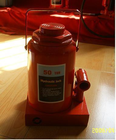 立式油压千斤顶 1